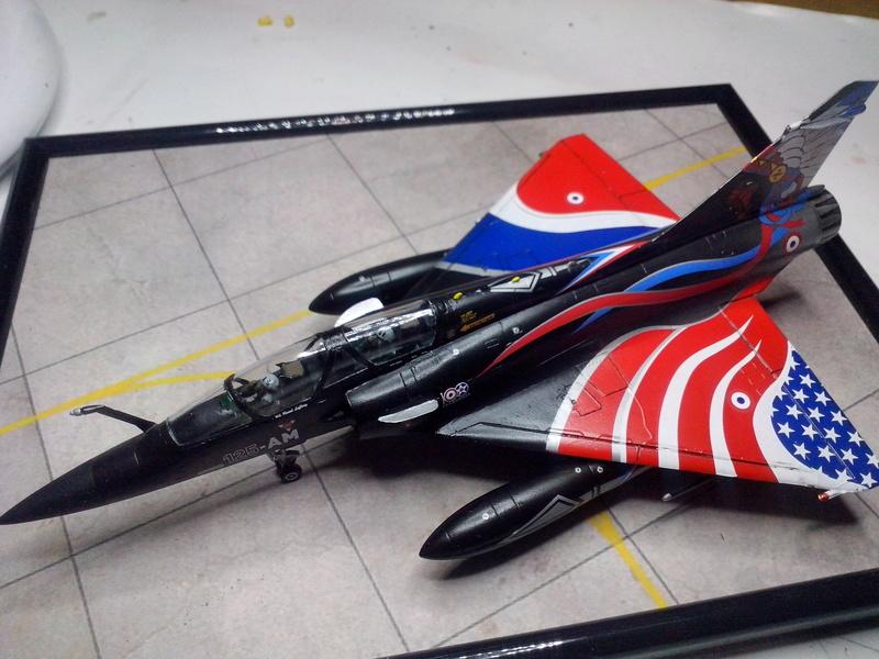 """Mirage 2000-N Ramex Delta  """"100 ans EC2/4 La Fayette"""" (Heller) - Page 2 Img_2099"""