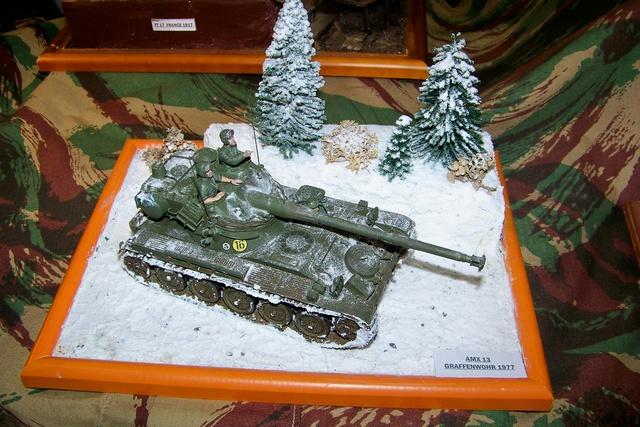 AMX-13/75 w/SS-11 ATGM 1/35 ( Takom 2038 ) *** Terminé en pg 4 100_2346