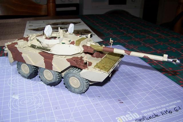 AMX 10 RC ,Direction Bagdad ! (Tiger models 1/35)Fini - Page 2 2350710