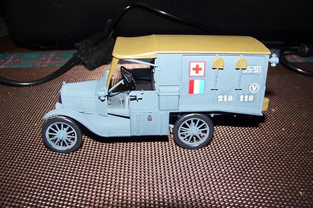 Ford T Ambulance 1917 ICM 1/35 ( FINI & Rectifié) - Page 2 2590010
