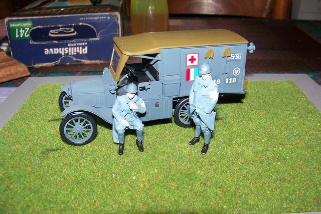Ford T Ambulance 1917 ICM 1/35 ( FINI & Rectifié) - Page 2 2603010