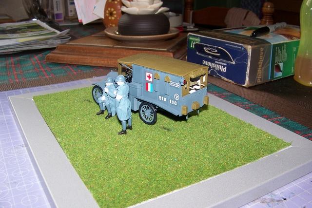 Ford T Ambulance 1917 ICM 1/35 ( FINI & Rectifié) - Page 2 2605510