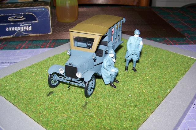 Ford T Ambulance 1917 ICM 1/35 ( FINI & Rectifié) - Page 2 2606510
