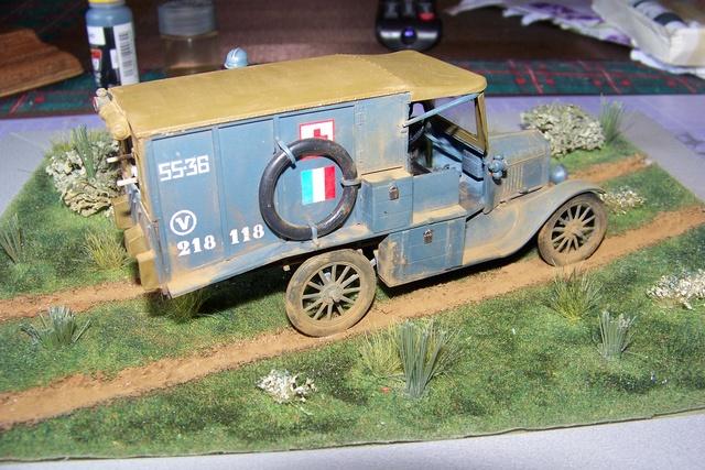 Ford T Ambulance 1917 ICM 1/35 ( FINI & Rectifié) - Page 3 2844010