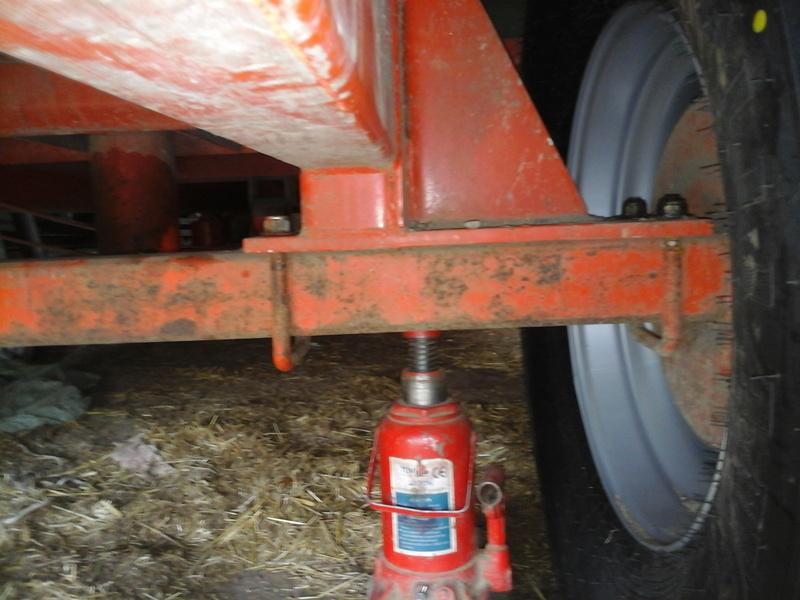 changement dimention de pneus sur ma benne Photo015
