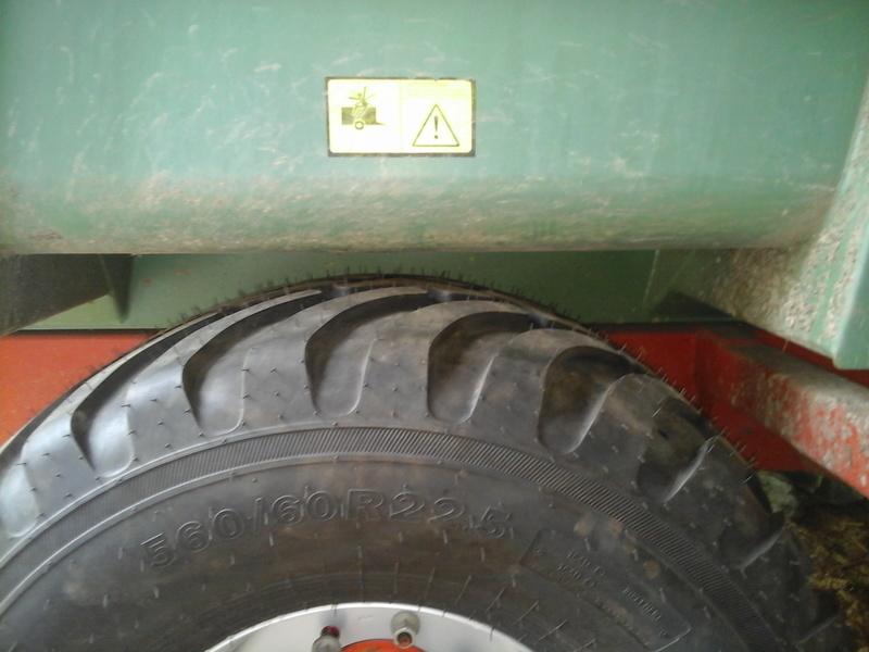 changement dimention de pneus sur ma benne Photo019