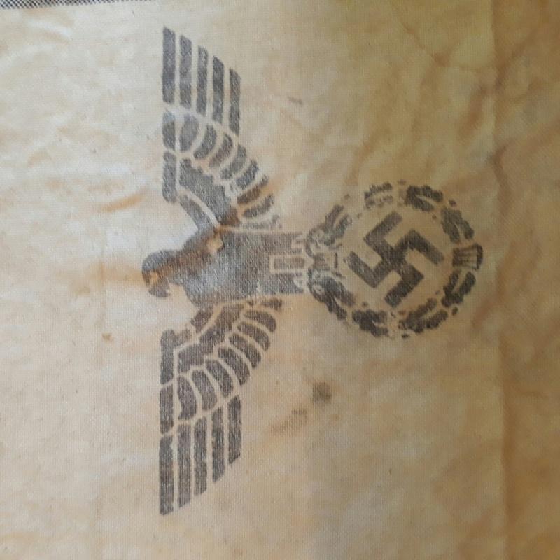 Morceau de toila nazie a id 20180125