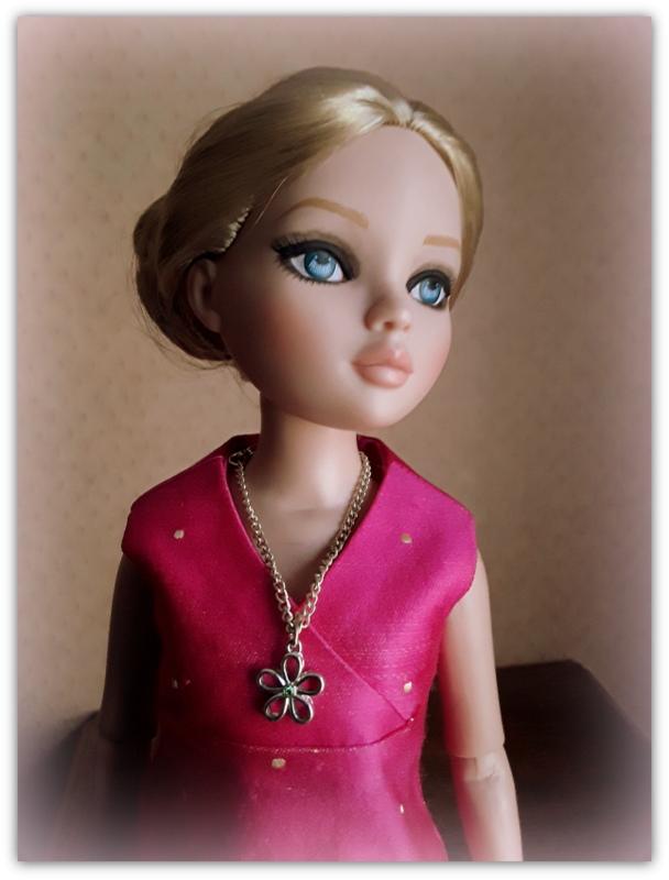 Mes poupées Ellowyne Wilde. De nouvelles photos postées régulièrement. - Page 23 20180350