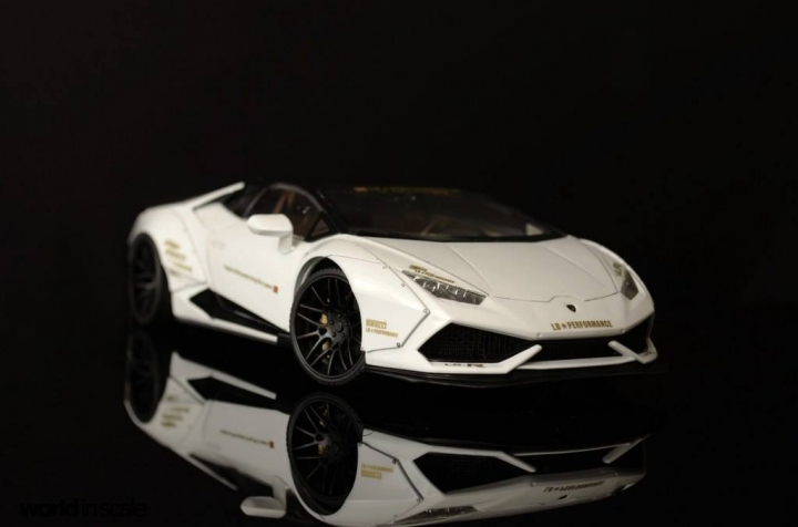 "Lamborghini Huracán ""Liberty Walk"" - 1/24 by Aoshina + Hobby Design 1012"