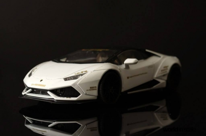 "Lamborghini Huracán ""Liberty Walk"" - 1/24 by Aoshina + Hobby Design 218"