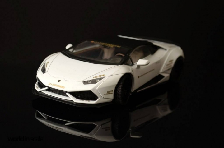 "Lamborghini Huracán ""Liberty Walk"" - 1/24 by Aoshina + Hobby Design 318"