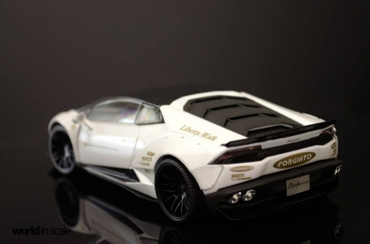 "Lamborghini Huracán ""Liberty Walk"" - 1/24 by Aoshina + Hobby Design 415"