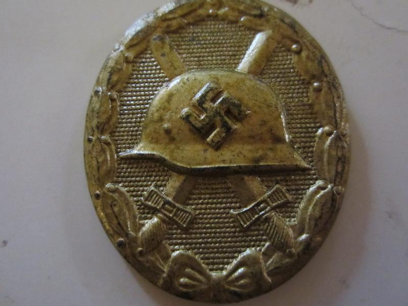 badge des blesse or marque 81 sans attaches Img_0125