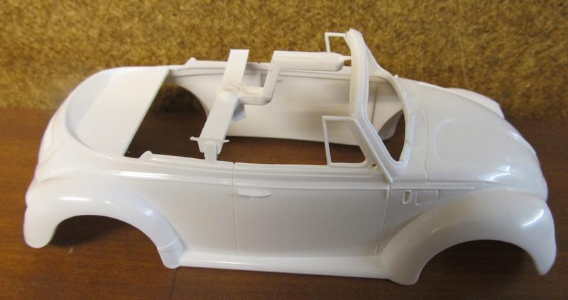 VW 1303 S Cabriolet / Aoshima 1 zu 24 Img_5432