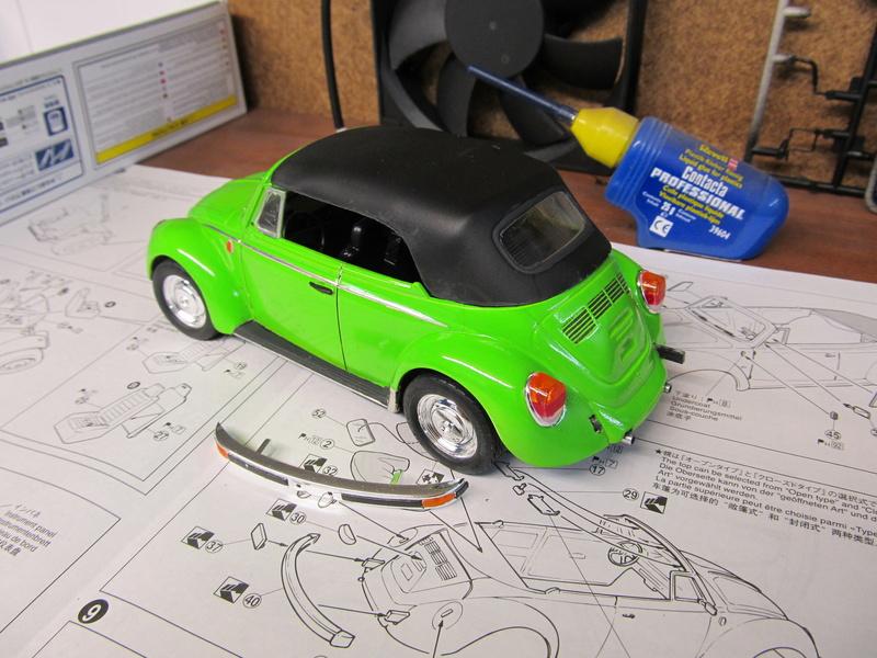 VW 1303 S Cabriolet / Aoshima 1 zu 24 Img_5447