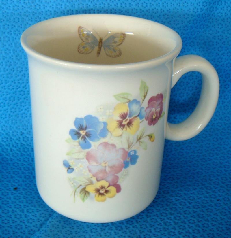 3050 mugs with inner butterfly Dsc04710