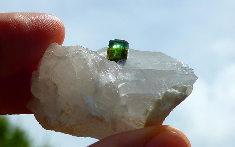 Des pierres à vendre 10364a10