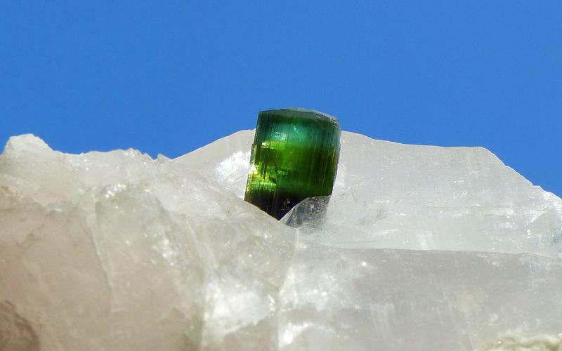 Des pierres à vendre 10364b10