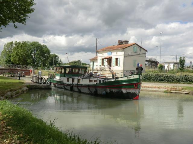 """Camping municipal de Montech (82) et le canal de la Gironde ( canal du """"midi"""") 67290310"""