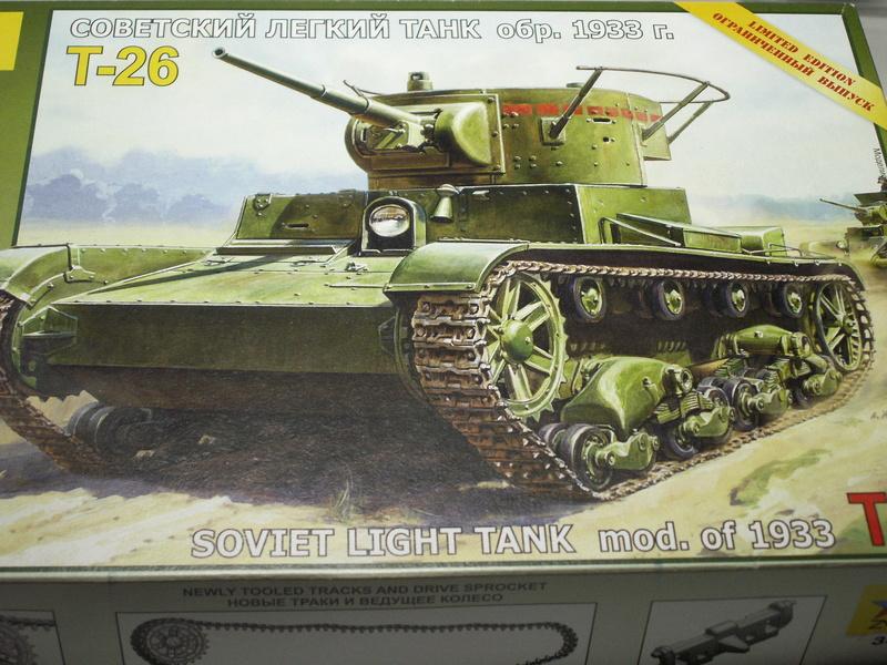 Gb épaves  deux chars russes le light tank t-26 et le lourd kv-2 de Zvezda au 1:35 Pict0917