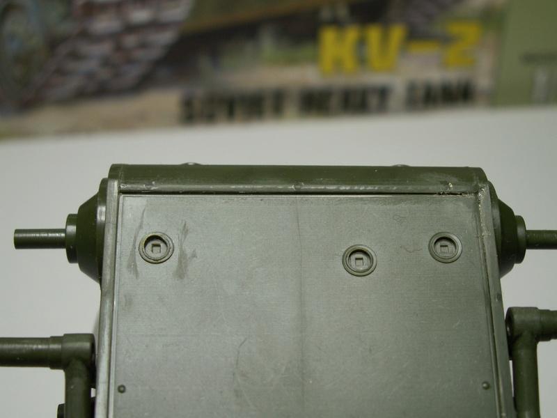 Gb épaves  deux chars russes le light tank t-26 et le lourd kv-2 de Zvezda au 1:35 Pict0919