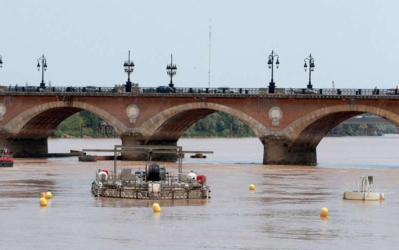 Une hydrolienne sur lz Garonne à Bordeaux - Gironde Design10