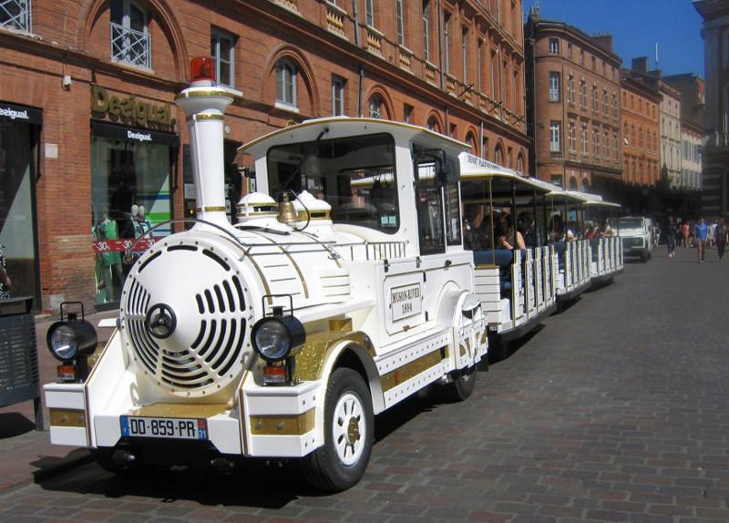 STREET VIEW : les petits trains touristiques - Page 2 Place-10