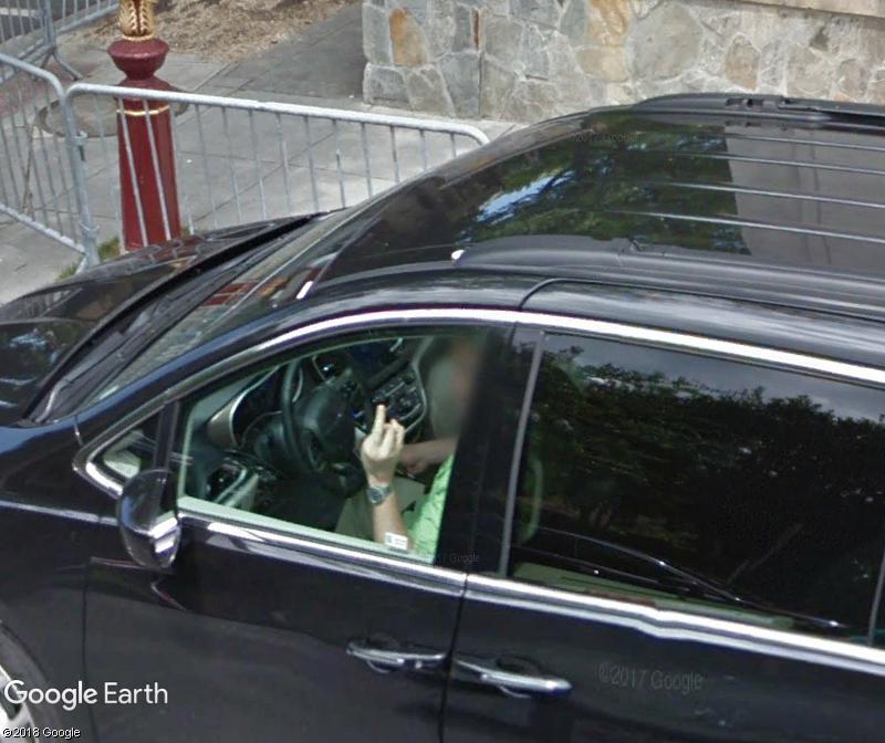 STREET VIEW : un coucou à la Google car  - Page 44 Www255
