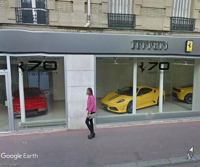 STREET VIEW : belles voitures (France) - Page 9 Www85