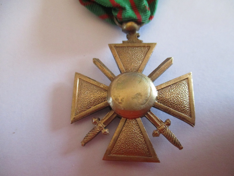 variantes croix de guerre 14/18? Img_8511
