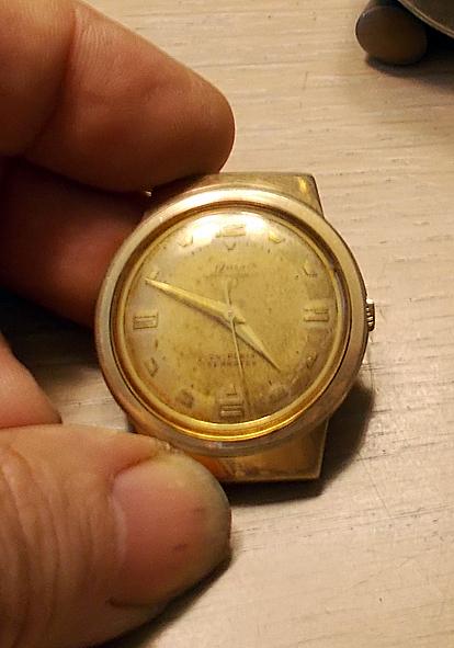 Un post qui référence les montres de brocante... tome IV - Page 18 Onsa10