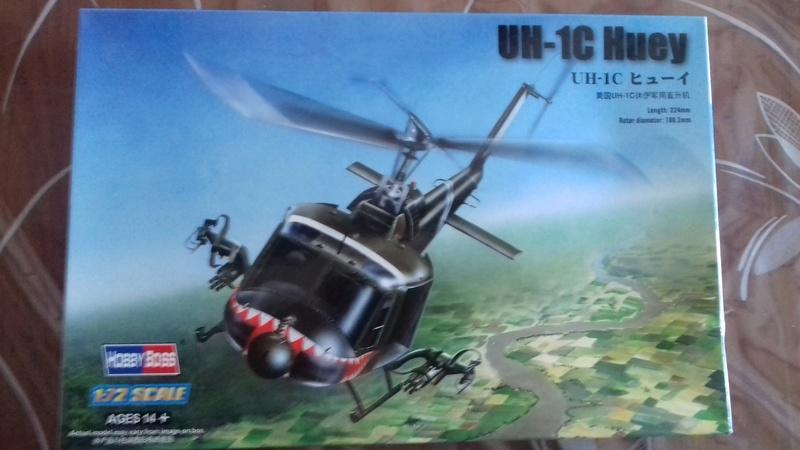 Hélicoptère UH-1C Huey 122