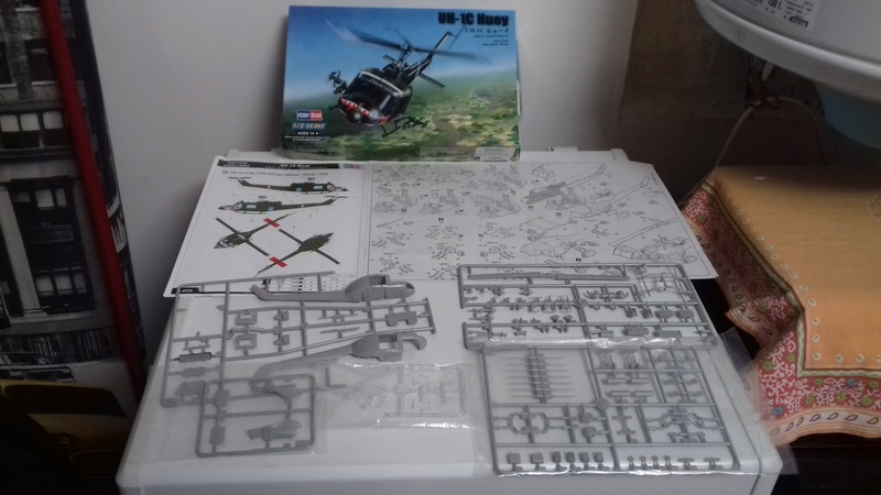 Hélicoptère UH-1C Huey 222