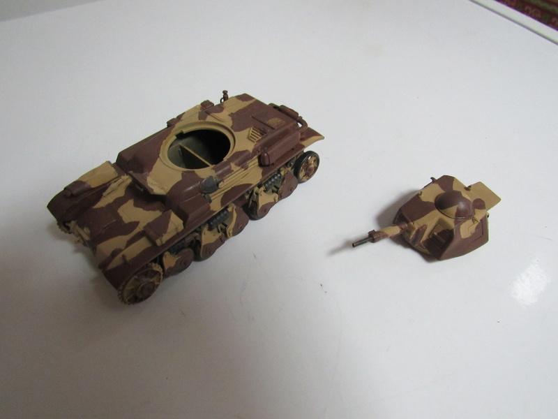 tank français, Renault R35 CANON 135 MM  au 1/35 de Heller 613