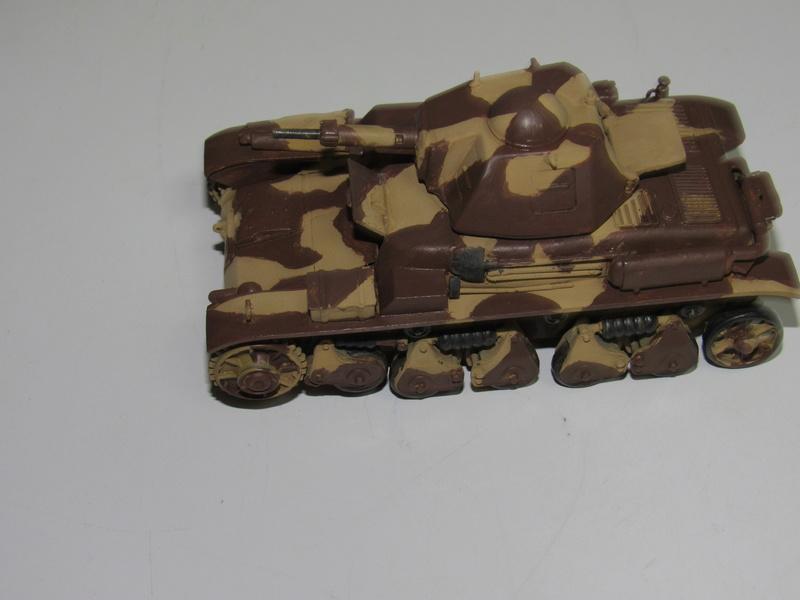 tank français, Renault R35 CANON 135 MM  au 1/35 de Heller 813