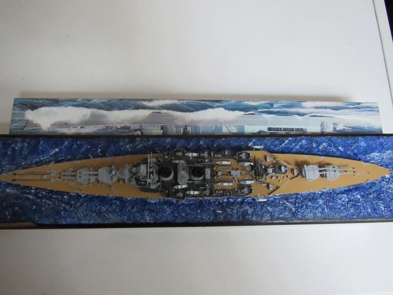 HMS Hood au 1/700 Img_5534