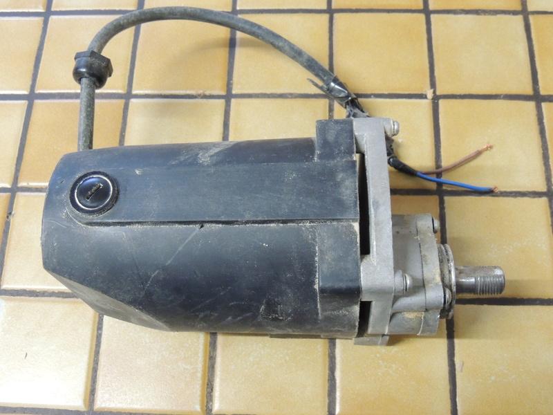 moteur elec Dscn4910
