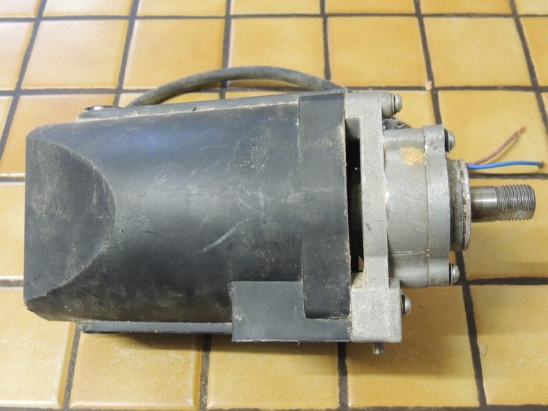 moteur elec Dscn4911