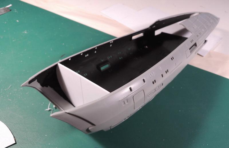 USS Voyager / REVELL Dscn4614