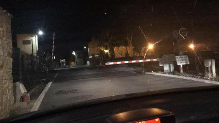 photos du 17 decembre sur  un passage a niveau qui fait réléchir C18cd410