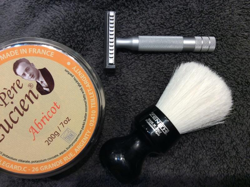 Défi ! Une semaine de rasage avec les mêmes produits  - Page 2 Img_0543