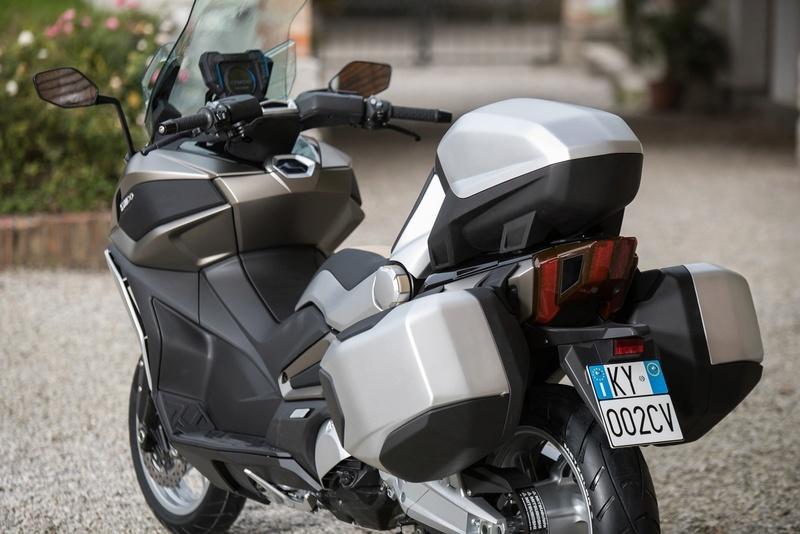 Kymco : un prototype 3R sera présenté à Milan. Kymco CV3 A810