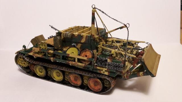 Bergepanther SdKfz 179 Auf M  ( Armourfast 1/72 )  21-11-12