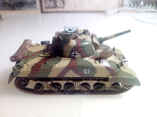Beutepanzer M4 A1 -- Esci 1/72  23-04-11