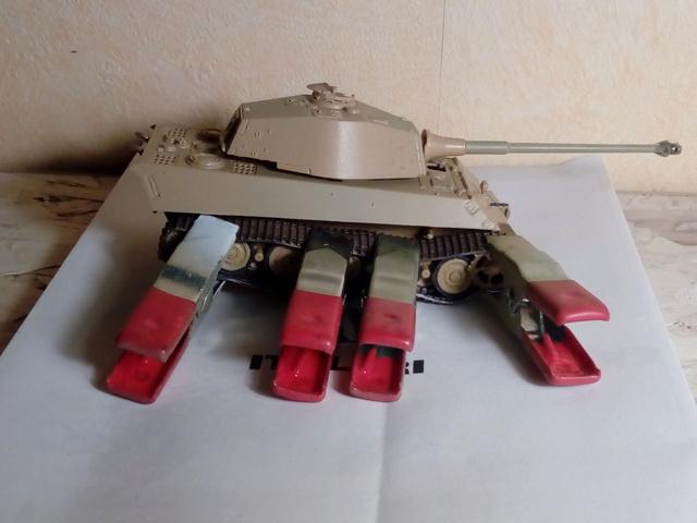 Sd.Kfz. 182 - Pz.Kpfw. VI King Tiger - Italeri - 1/72 27-03_10