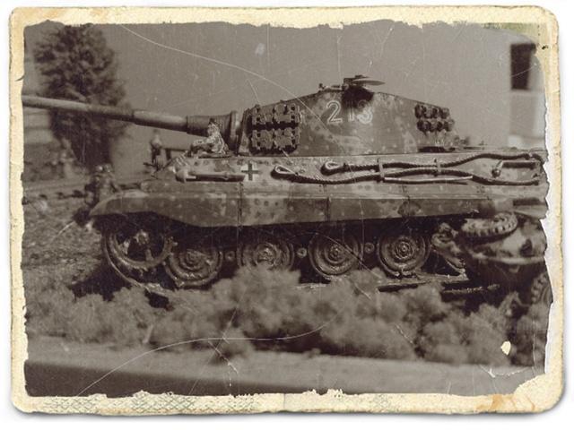 Sd.Kfz. 182 - Pz.Kpfw. VI King Tiger - Italeri - 1/72 - Page 2 Antiqu10