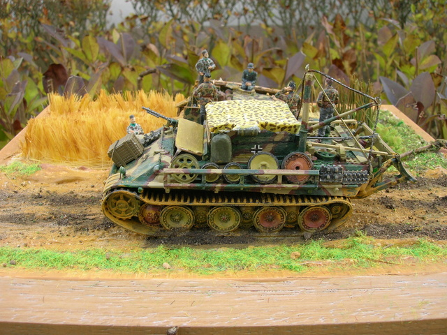 Eine helfende Hand, Hans ? (un coup de mains  Hans ?) - Panther et Stug III Revell 1/72 FINI ! Dioram12