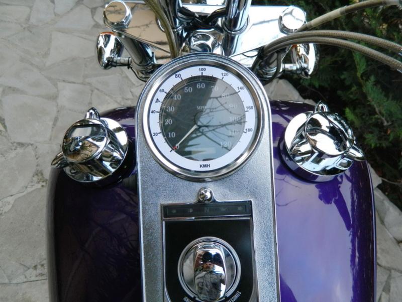 Cache bouchon essence Wide Glide Dscn9417