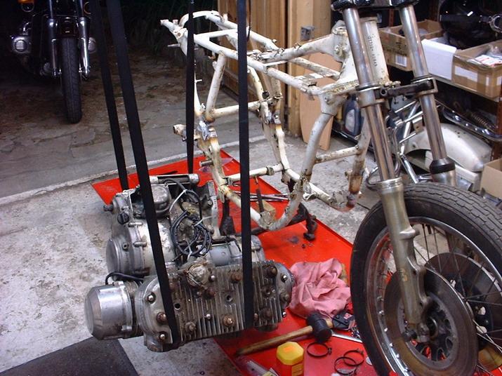 Photos de 3 cylindres SUZUKI Moteur10