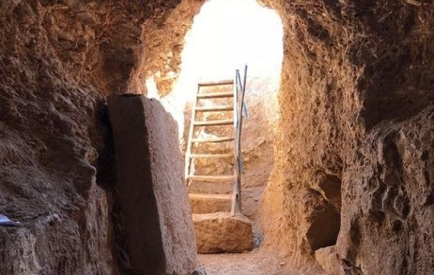 Manbij frontière turco-syrienne : une église primitive souterraine miraculeusement épargnée par Daesh Manbij11